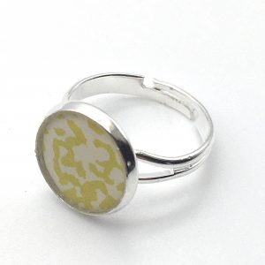 Small Speckled Print Ring