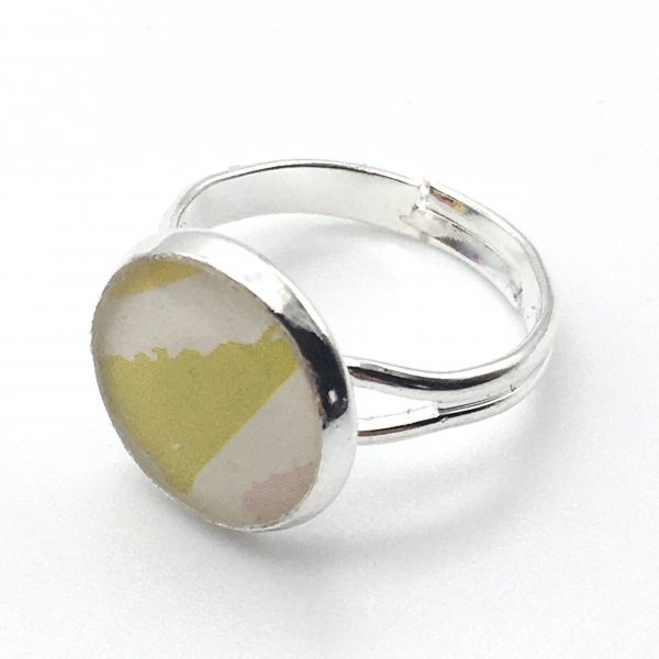 Small Triangles Print Ring