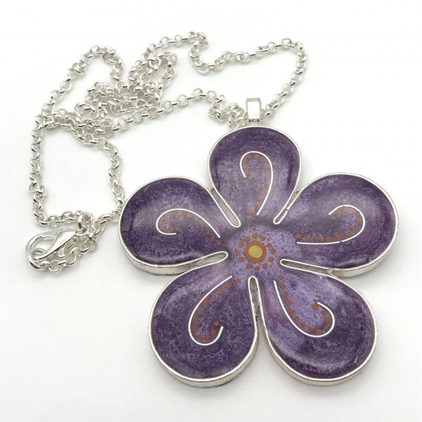 Curved Dot Flower Necklace - Purple