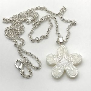 Etched Flower Necklace - White