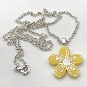 Etched Flower Necklace - Yellow