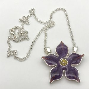 Pointed Dot Flower Necklace - Purple